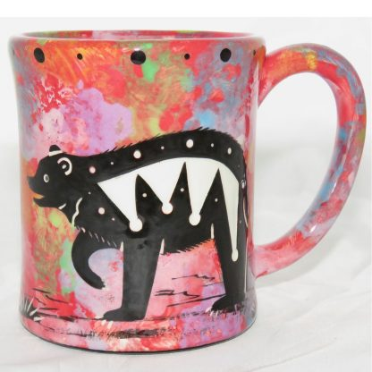 Mana Pottery e-mug with bear, scarlet, front