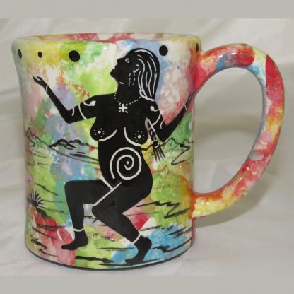 Ear-shaped handle mug with praying woman on confetti